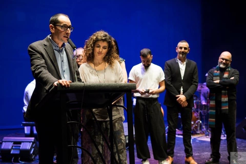 """Foto de El montaje """"Debajo del Tejado"""" recibe el Premio a Mejor Espectáculo Infantil"""