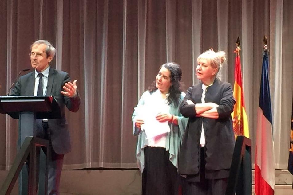 Foto de Helena Pimenta recibe la condecoración francesa de Caballero de la Orden Nacional de las Artes y de las Letras.