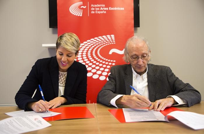 Foto de La Fundación de la Academia de las Artes Escénicas de España y el Instituto de las Industrias Culturales y las Artes de la Región de Murcia firman un Protocolo de Colaboración.