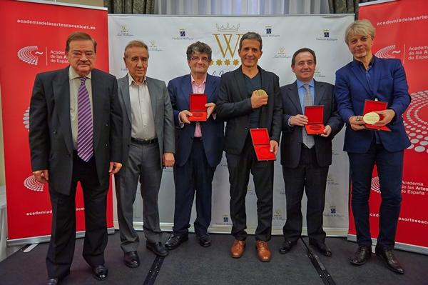 Foto de Entrega de las Medallas de Oro de La Academia de las Artes Escénicas.