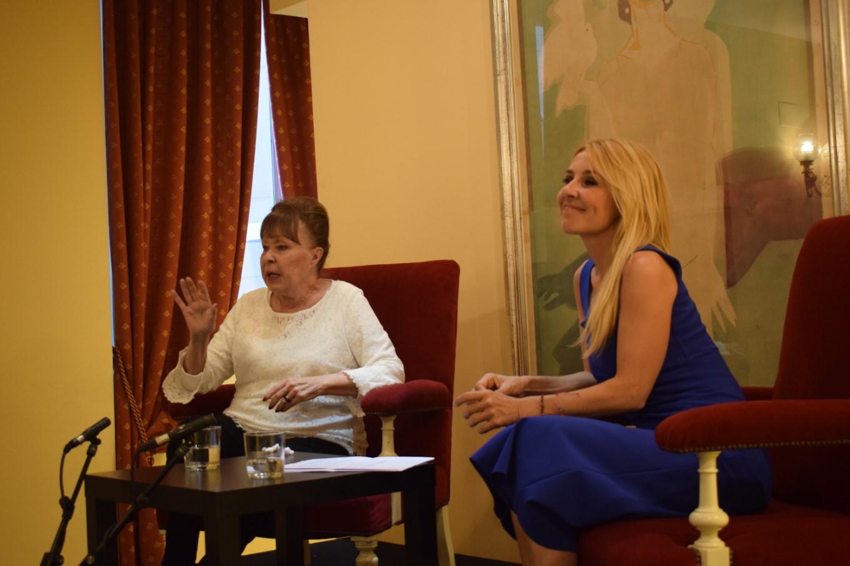Foto de Vídeo de Memoria viva entre Gemma Cuervo y Cayetana Guillén Cuervo