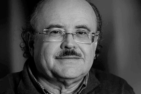 Foto de Rodolf Sirera recibe el Premio de la Cartelera Turia a Mejor Adaptación y Guion